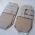 新聞紙スリッパ2